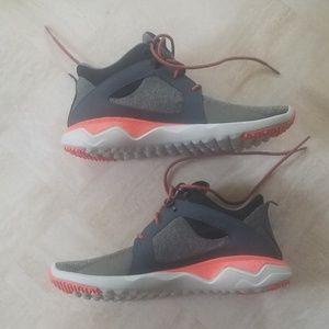 (NWOT) Merrell Hiking Shoes/ Hiking Sneakers